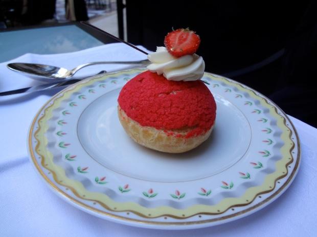 chou rose fraise