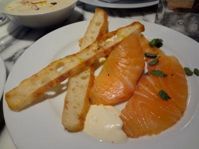 saumon fumé crème citron et mouillettes