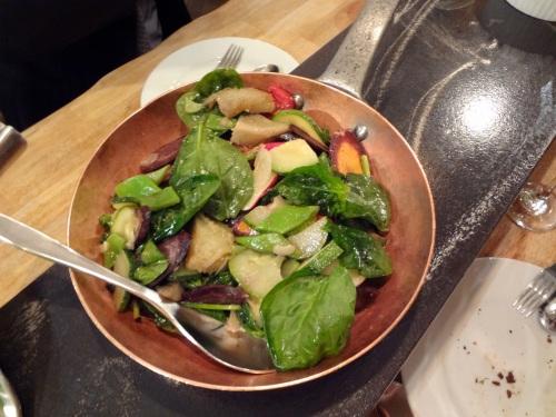 artichauts et légumes croquants poêlés